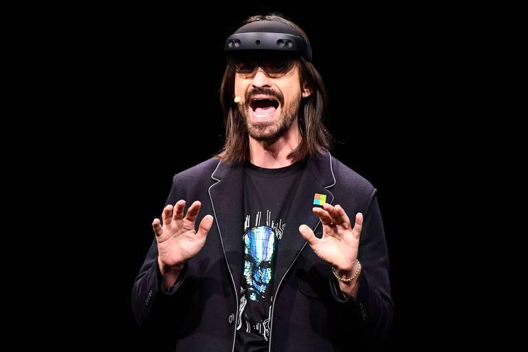 Engenheiro da Microsoft Alex Kipman apresenta o HoloLens 2 da Microsoft na a Mobile World Congress (MWC), em Barcelona