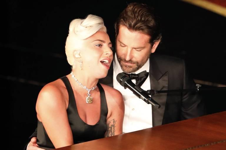 """Lady Gaga e Bradley Cooper durante a apresentação de """"Shallow"""" no Oscar 2019"""