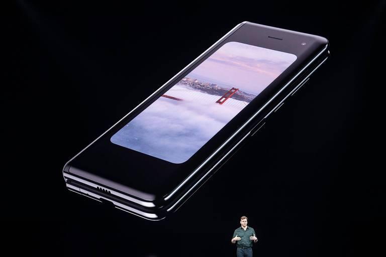 Galaxy Fold, celular de tela dobrável da Samsung