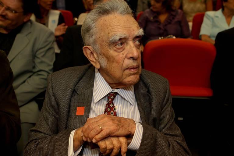 Quem foi Paulo Nogueira Neto