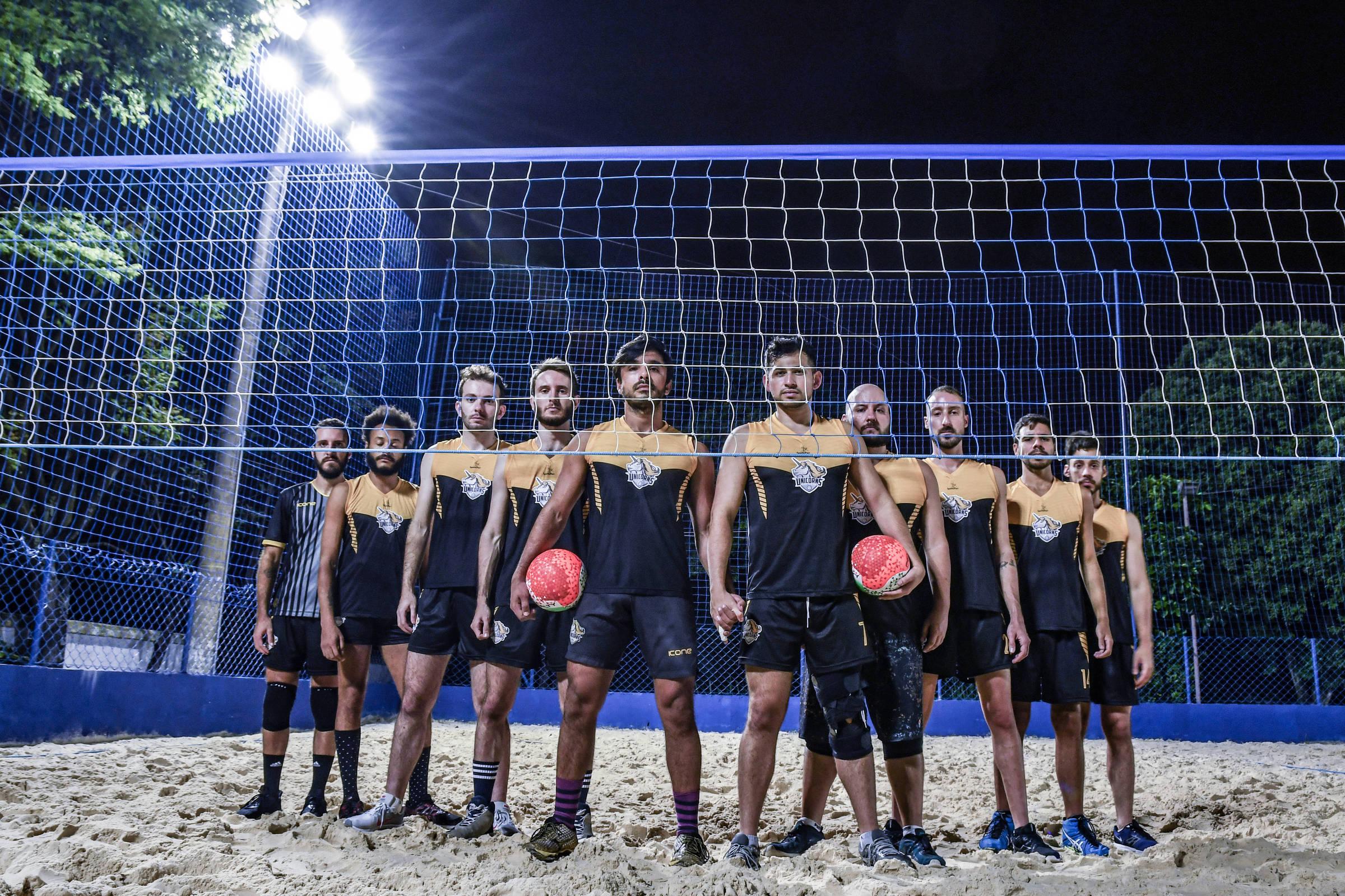 Time LGBT diz ter sido alvo de discriminação por sócios de clube em São  Paulo - 26 02 2019 - Esporte - Folha cfb36a440e456