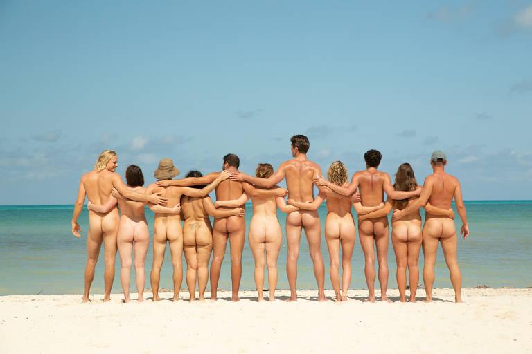 O cruzeiro nudista no navio Carnival Sunshine