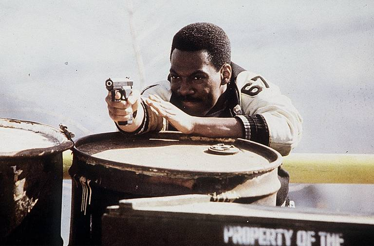 Eddie Murphy em cena do filme 'Um Tira da Pesada', com direção de Martin Brest.