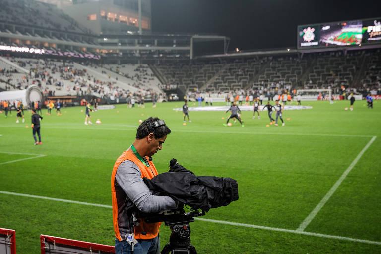 Câmera trabalha em jogo da Libertadores no Itaquerão