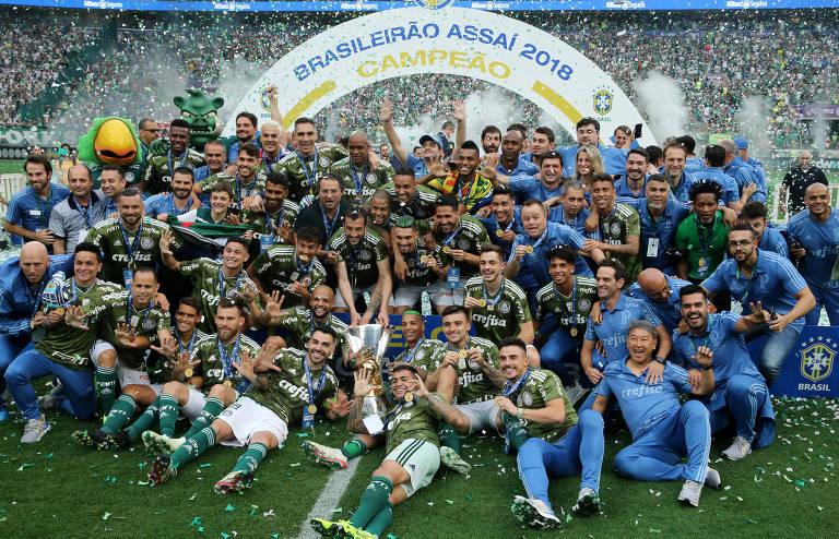 Onde ver os campeonatos de futebol na TV e na internet