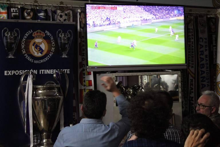 Torcedores assistem Real Madrid x Barcelona em território inimigo