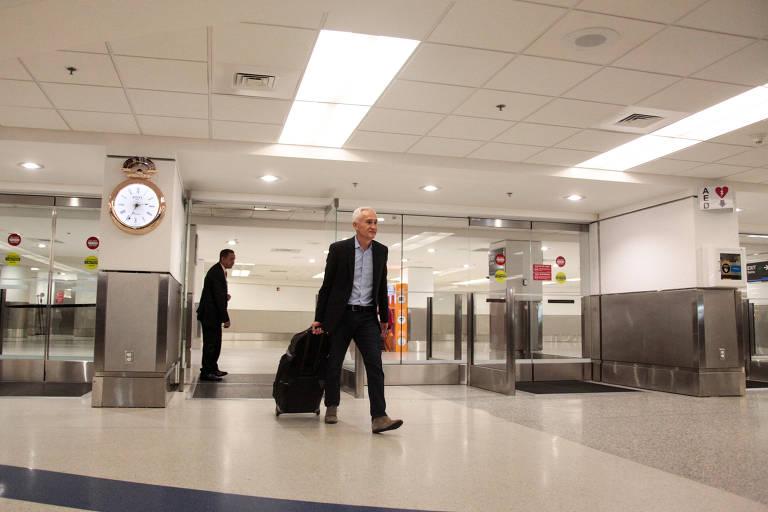 Jorge Ramos desembarca em Miami após ser expulso da Venezuela