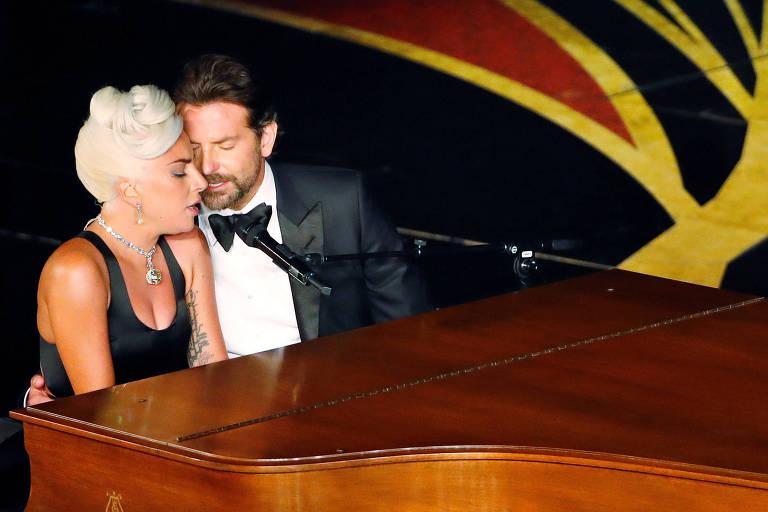 Lady Gaga e Bradley Cooper durante apresentação no Oscar