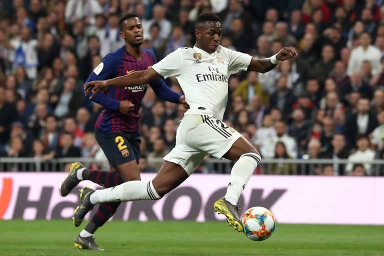 Vinicius Junior em partida contra o Barcelona pelas semifinais da Copa do Rei