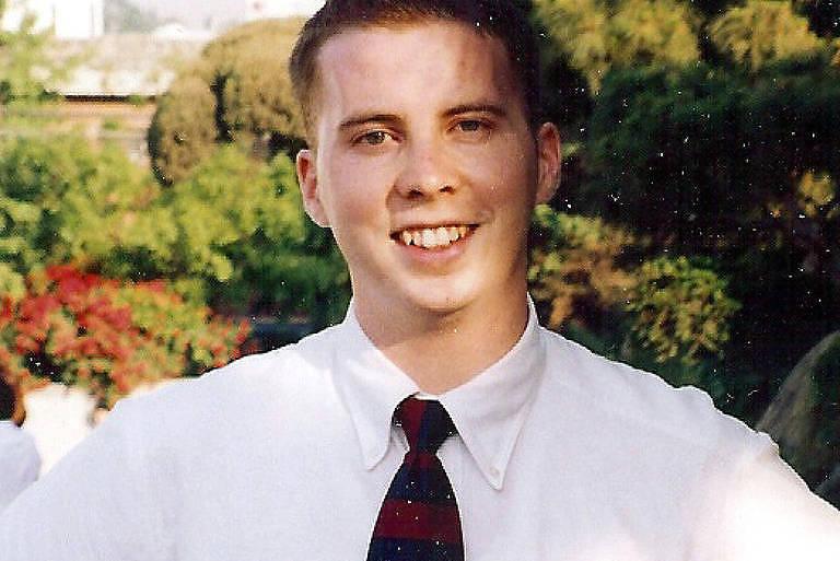 David Sneddon, rapaz desaparecido, em foto de arquivo