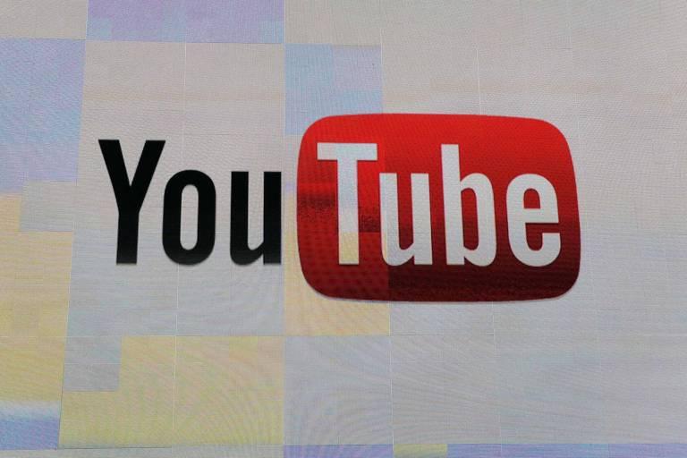 Logo do YouTube; empresa já habilitou painéis informativos na Índia, onde é alta a disseminação de fake news