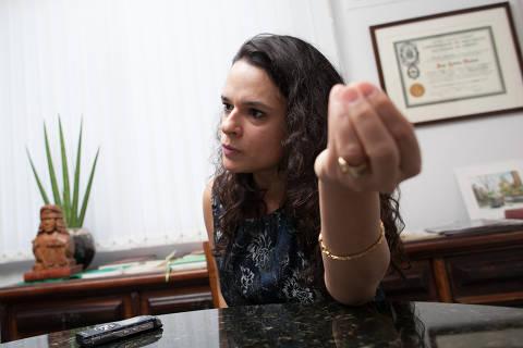Janaina Paschoal sinaliza saída do PSL e diz que deputados 'estão cegos'