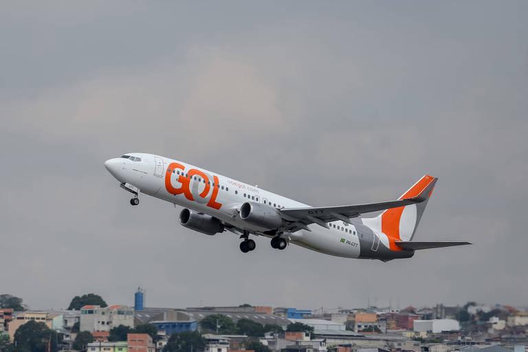 Avião da Gol no aeroporto de Cumbica, em Guarulhos