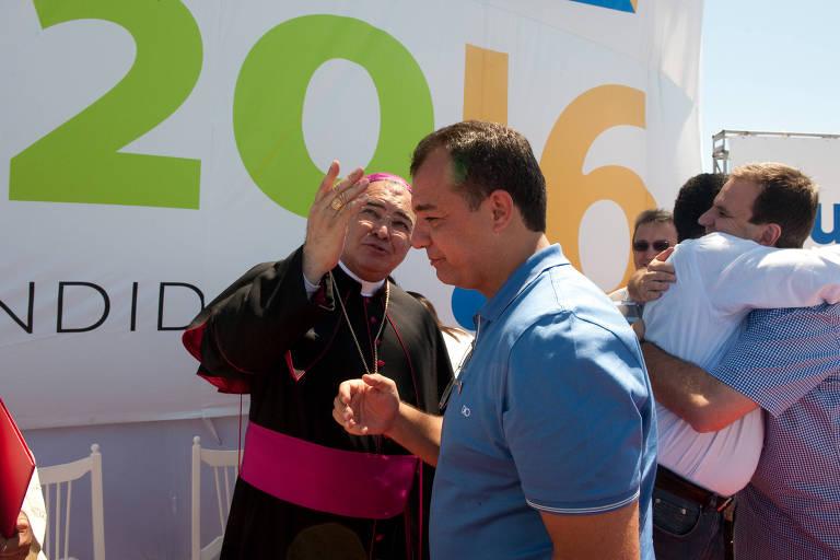 Dom Orani Tempesta, arcebispo do Rio, e o então governador Sérgio Cabral durante evento em 2009 pela candidatura da cidade à sede da Olimpíada-2016