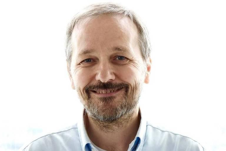 Autor italiano Stefano Quintarelli, criador do conceito device neutrality e membro do grupo de IA da Comissão Europeia