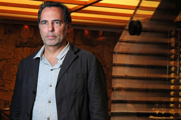 O diretor Maurício Farias,