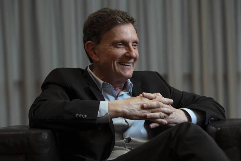O prefeito do Rio, Marcelo Crivella (PRB), durante entrevista à Folha em seu gabinete na prefeitura