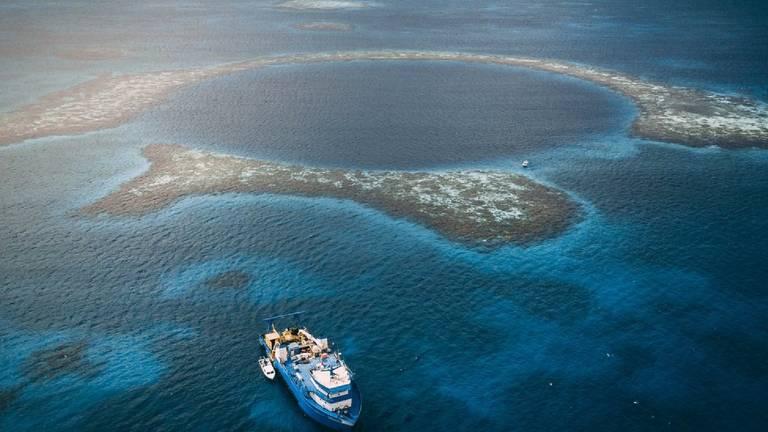 Buraco Azul de Belize
