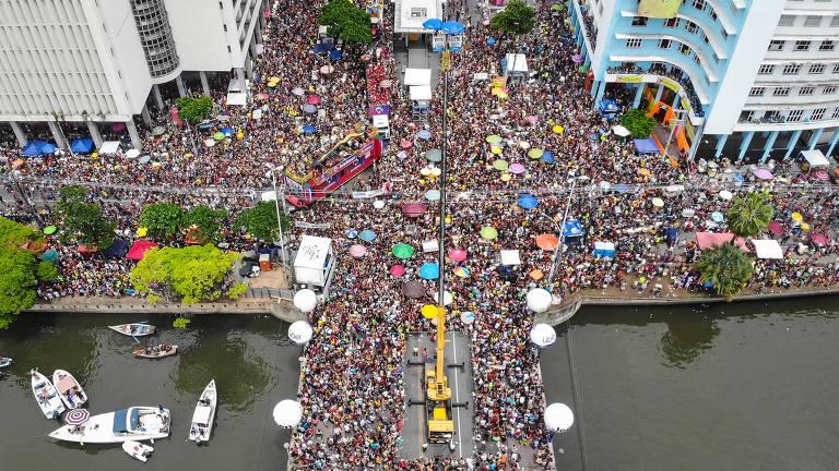 Artistas de Pernambuco enviam propostas para a cultura a candidatos em Recife