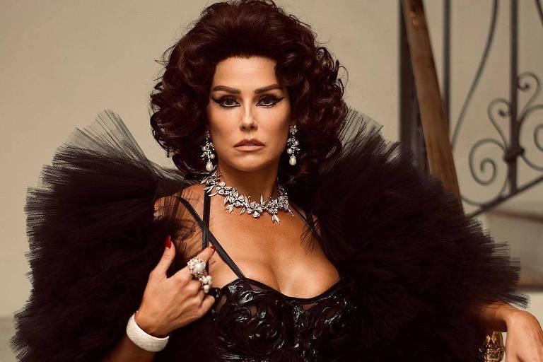 Deborah Secco se inspira em Sophia Loren para Baile do Copa 2019