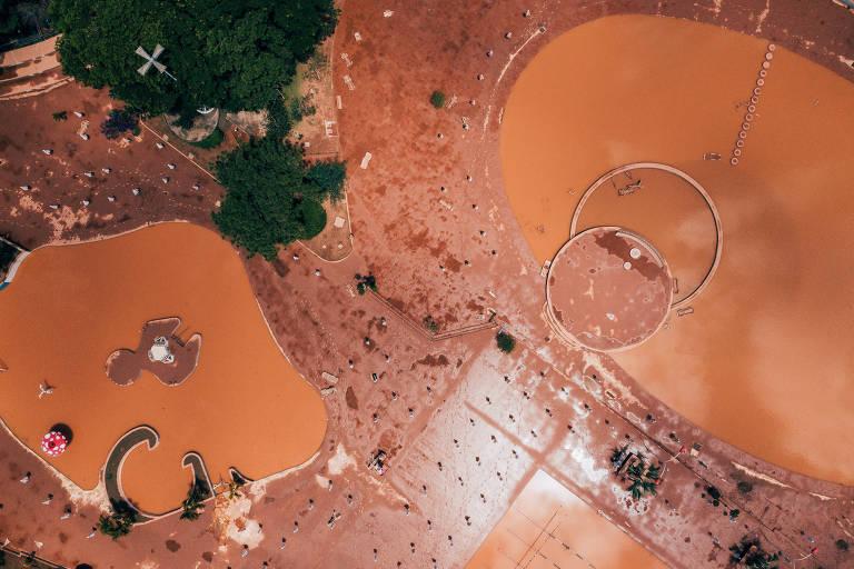 Clube do São Paulo e estádio do Morumbi ficam alagados após chuva