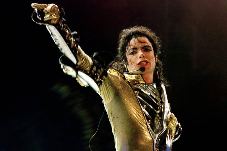 Michael Jackson durante em show da turnê HIStory World Tour, na Áustria, em 1997