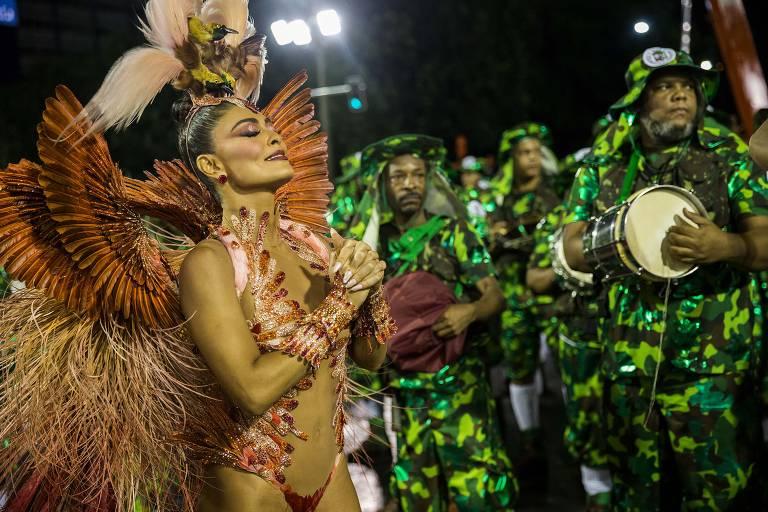 Primeira noite de desfiles do Grupo Especial na Sapucaí, no Rio