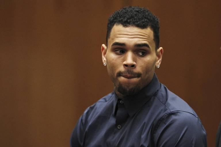 O rapper americano Chris Brown, condenado por ter agredido a cantora Rihanna, durante uma audiência