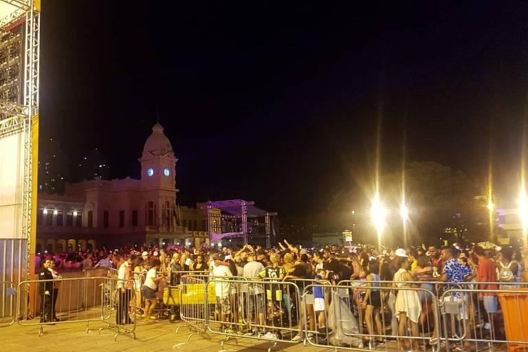 Carnaval na Praça da Estação, em BH, onde mulher foi encontrada desacordada