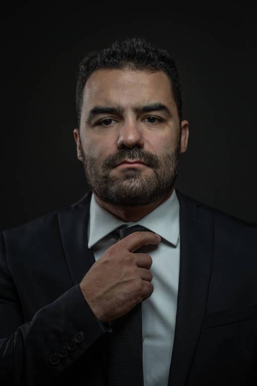 Retrato feito na Alesp (Assembleia Legislativa do Estado de São Paulo) do Deputado Estadual Arthur Moledo do Val (DEM), mais conhecido como Arthur Mamãe Falei