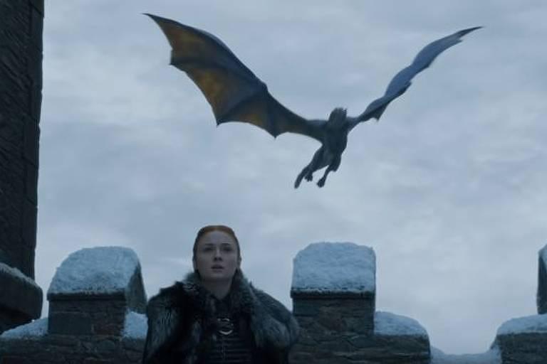 Sansa segue caminhos muito diferentes na série e nos livros escritos por George R. R. Martin