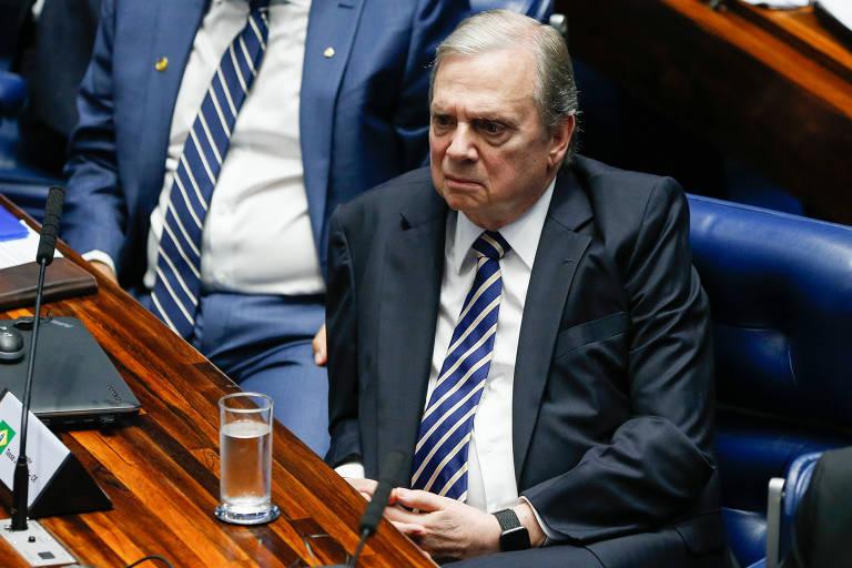 O senador Tasso Jereissati (PSDB-CE), durante reunião preparatória  para escolha do presidente do senado e da nova mesa diretora