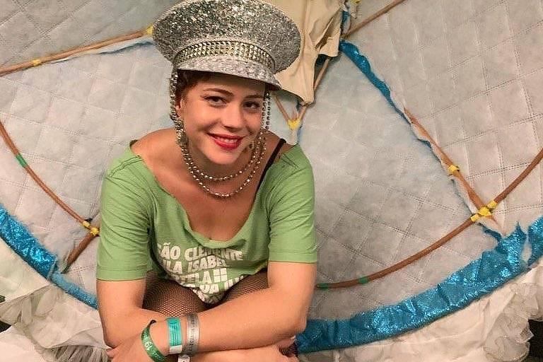 Leandra Leal desfilou pela Mangueira na segunda (5)