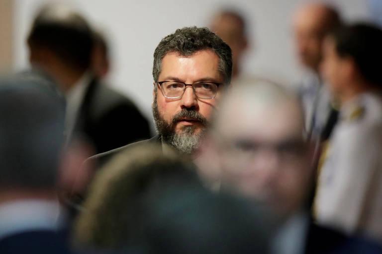 O ministro Ernesto Araújo, que é genro de Luiz Felipe de Seixas Corrêa, ex-secretário-geral do Itamaraty nos governos Collor e FHC