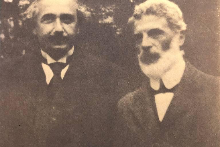 Albert Einstein e seu amigo cientista Michele Besso; universidade revelou cartas trocadas entre os dois