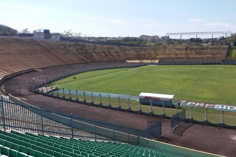 Estádio em que Ronaldo marcou seu 1º gol pelo Corinthians está abandonado