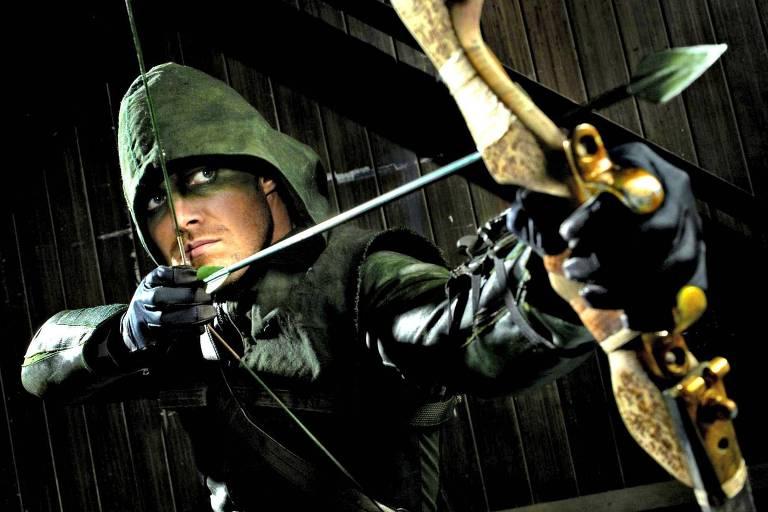 """O ator Stephen Amell, que interpreta Oliver Quinn, em cena da série """"Arrow"""""""