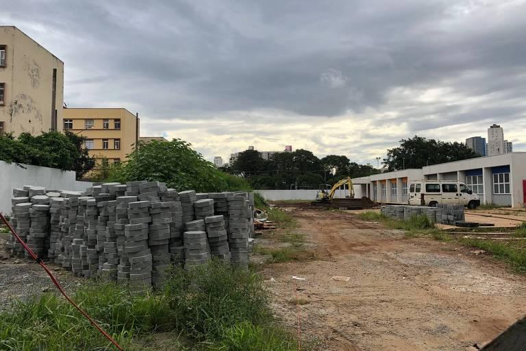 Obras na área externa da Casa da Mulher Brasileira de São Paulo