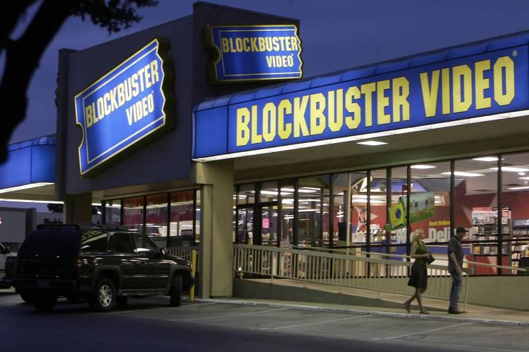Fachada de uma loja da locadora de filmes Blockbuster, em Dallas (EUA) já extinta