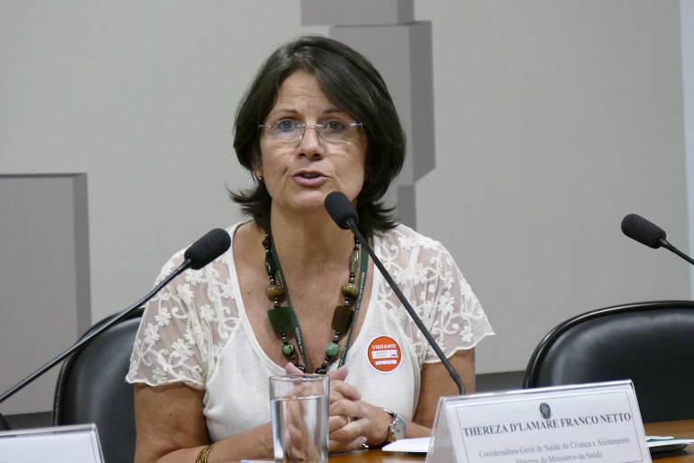 A ex-coordenadora de saúde do adolescente do Ministério da Saúde, Thereza de Lamare, em comissão do Senado