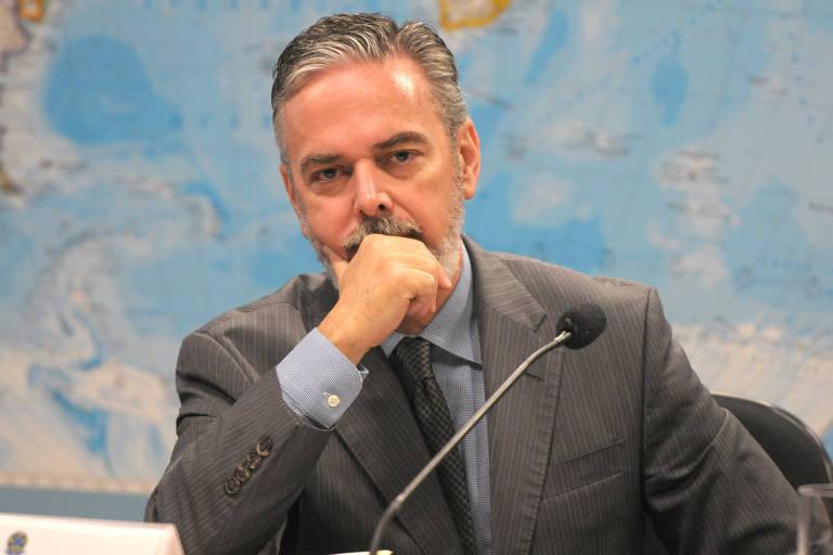 Embaixador Antonio Patriota, que usa o pseudônimo Tonio de Aguiar no disco'Geografia do Sentimento'