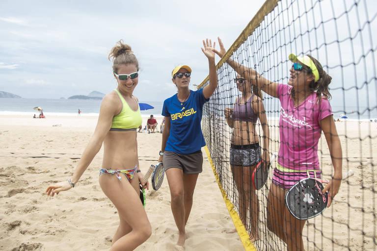 Treino de beach tennis em Ipanema
