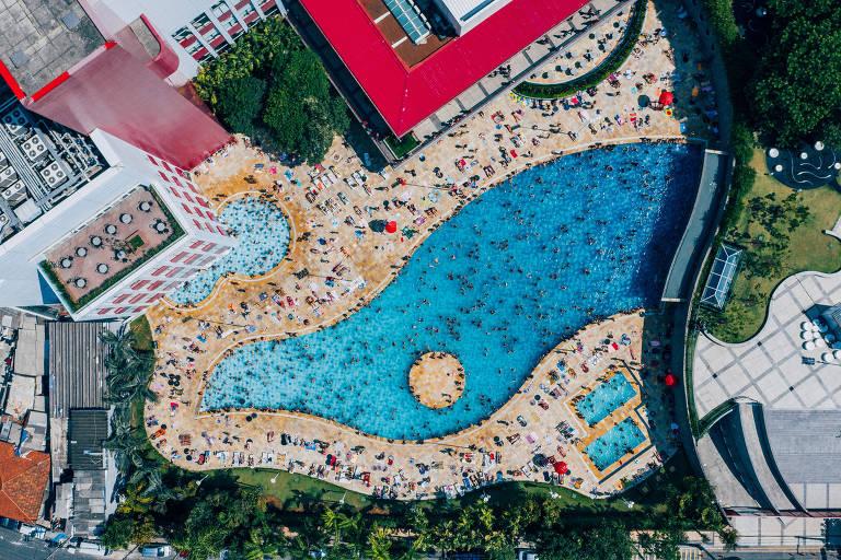 Sem praia, São Paulo ganhou piscinas a partir dos anos 1920