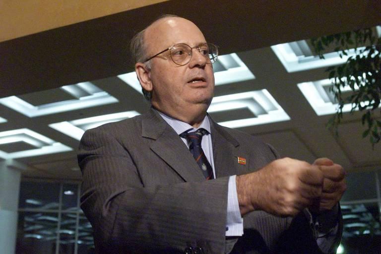 Luiz Felipe de Seixas Corrêa, então ministro interino das Relações Exteriores, em 2001