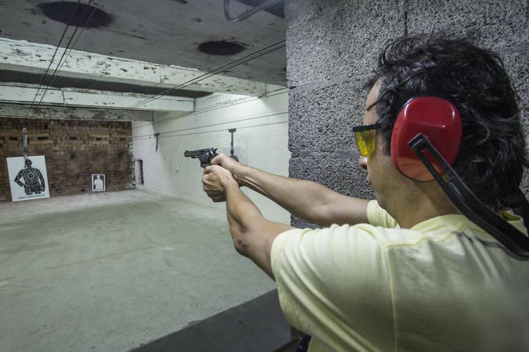 Política de segurança pública de Bolsonaro é cada um que se vire, diz leitor