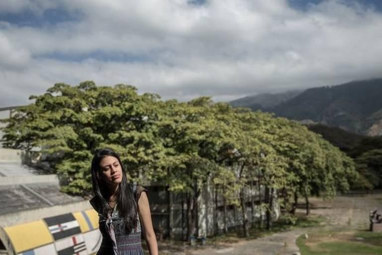 """Apesar de chavista, Angela também critica partido de Maduro: """"é monolítico, não aceita heterogeneidade"""""""