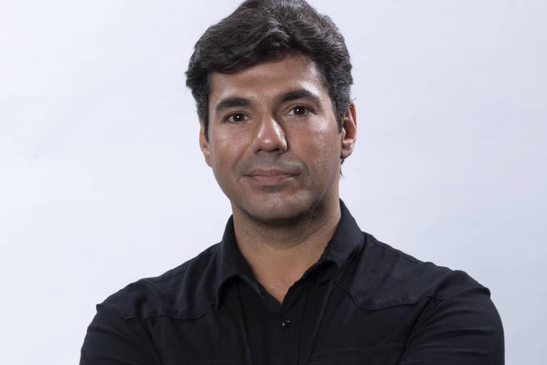 O chef de cozinha Felipe Bronze é o apresentador do programa 'Top Chef', da Record