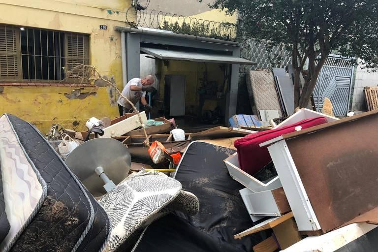 Ipiranga tem prédios evacuados, casas alagadas e doação de alimentos