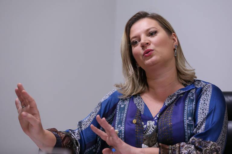 A líder do governo no Congresso, deputada Joice Hasselmann (PSL-SP) durante entrevista à Folha em seu gabinete