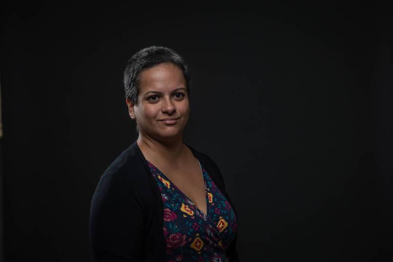 Retrato da Raquel Marques, com fundo preto